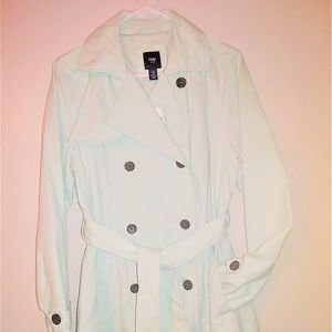 NEW - Gap button front belted trench coat - M